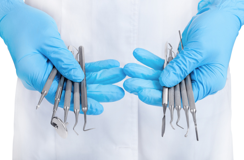How to choose instruments for implant surgeries